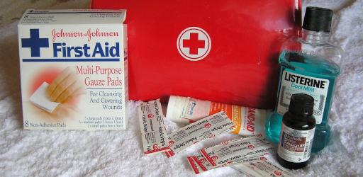 first-aid-2553789_1920 (1).jpg