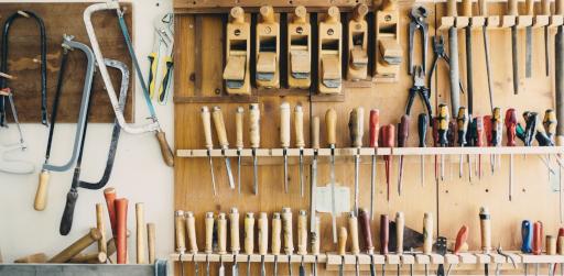 tools-690038_1920 (1).jpg